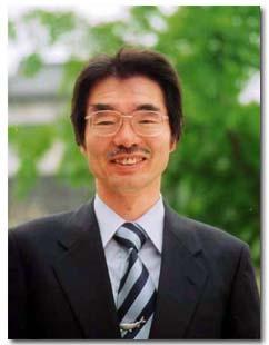 追手門学院大手前中・高等学校  校長 亀井 哲夫